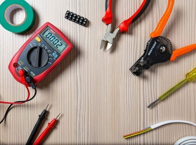 Ways to test a capacitor using a multimeter